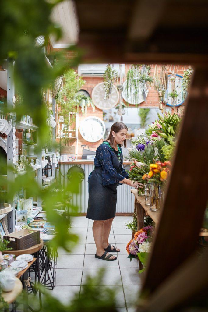 Explore quaint shops Sun Country On the Murray