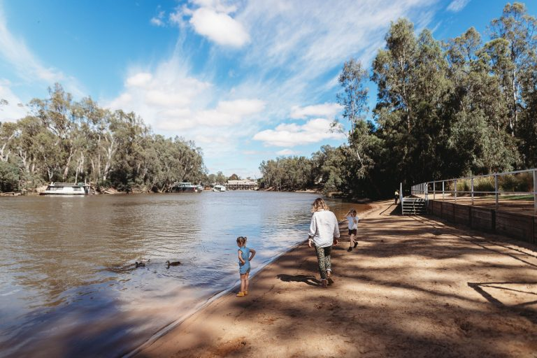 Moama Beach on the Murray River